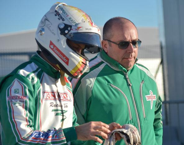 Vettel-et-Trulli-en-test-avec-l-equipe-Tony-KartVettel-et-Trulli-en-test-avec-l-equipe-Tony-Kart-5