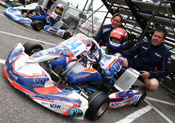 VDK Racing a dû se partager entre Bahreïn et Las Vegas. Eric Verdaasdonk a choisi le fun et les casinos, son frère Alain ale titre mondial au milieu du désert !