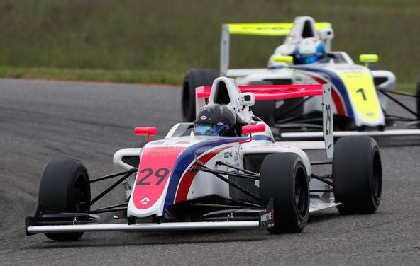 2-victoires-en-3-courses-d-entree-pour-Victor-Martins-en-F4-2