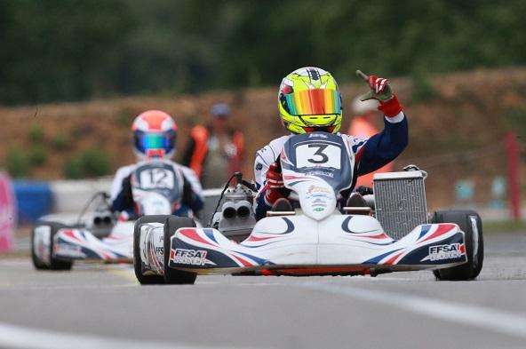 Après ses excellentes performances depuis le début de saison et sa victoire au Trophée Kart Mag une semaine plus tôt, Victor Bernier est l'un des pilotes en forme du moment