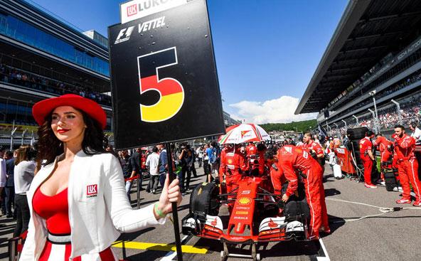 Plus de grid girls en F1 en 2018. Et que fera le monde du kart cette année, et plus particulièrement la CIK et son promoteur RGMMC
