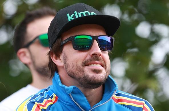 Comme ici au Mondial 2017 en Angleterre, Fernando Alonso se rend sur un circuit de kart dès qu'il le peut...