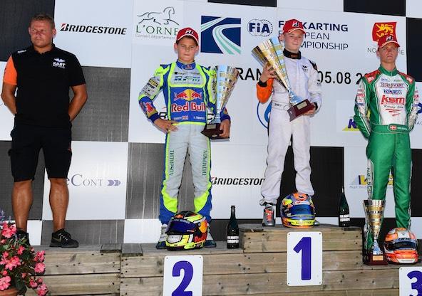 De g. à dr., Rickard Kaell (KR Motorsport), Harry Thompson, Dexter Patterson et Nicklas Nielsen