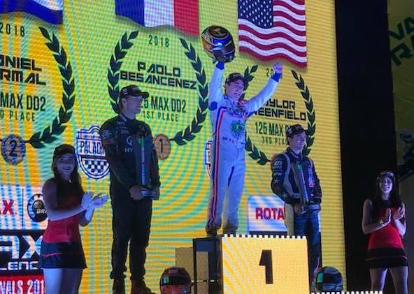La joie pour Paolo Besancenez depuis le haut du podium