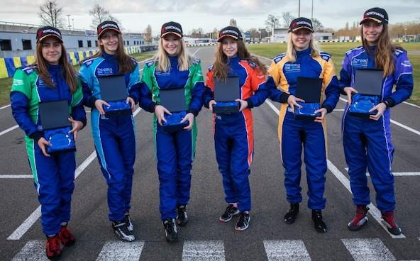 6 filles selectionnees par la FIA lors de la finale au Mans-1