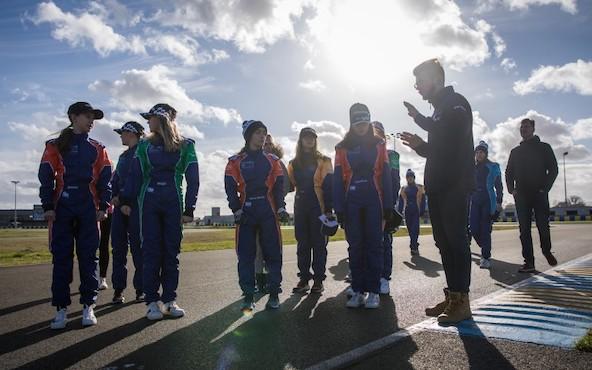 6 filles selectionnees par la FIA lors de la finale au Mans-7