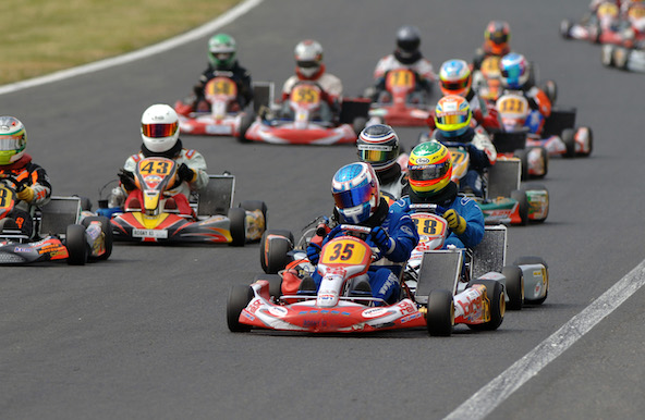 Pelotons compacts, dépassements et gros freinages sont attendus ce week-end des 1-2 juin, comme ici lors d'une précédente édition du Long Circuit