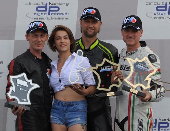 Le Champion de France Elkmann encadré des vainqueurs en Gentleman (Grenier) et à la Coupe de France (Robbrecht)
