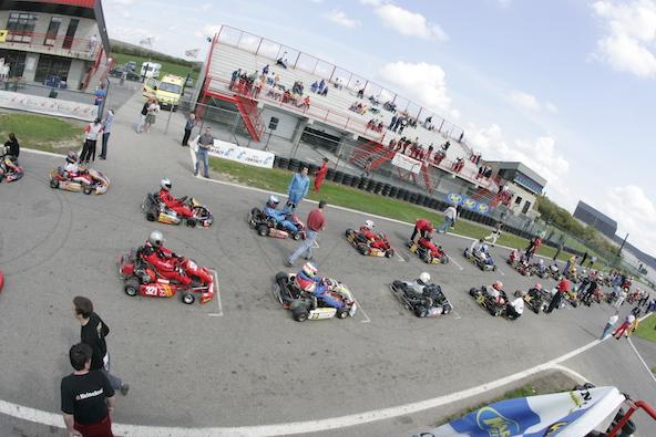 Une escapade en Belgique réussie lors des premières années de l'Euro Endurance Série, avec 48 karts sur la grille de départ....