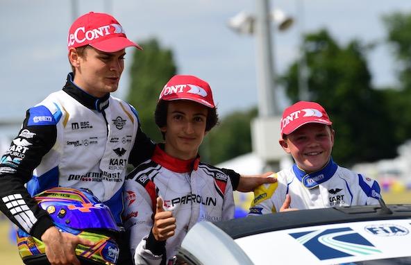 Gabriele Mini a remporté la dernière épreuve du Championnat d'Europe au Mans devant Lorenzo Travisanutto (à g.) et Taylor Barnard, son second au classement Rookie.