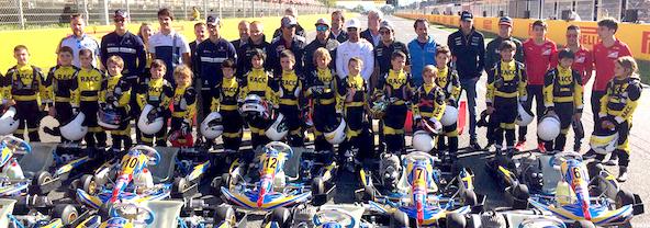 Une école de pilotage très dynamique sur le circuit de Fernando Alonso dans les Asturies en Espagne