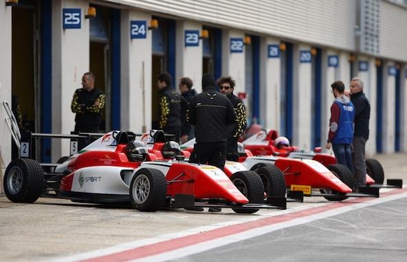 Le Champion italien Gabriele Mini deja a l aise en monoplace-3