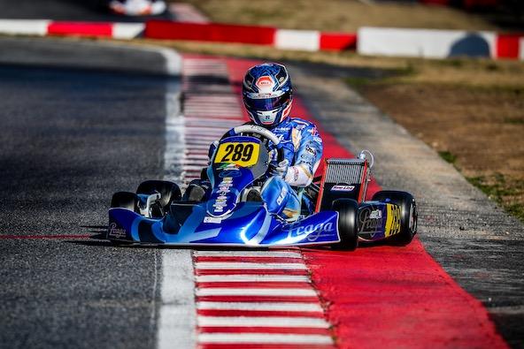 Le phénomène de glisse avec le seul freinage sur les roues arrière, cela devait manquer à Francesco Celenta, puisque l'Italien de chez Praga a cette fois délaissé son KZ pour un OK.