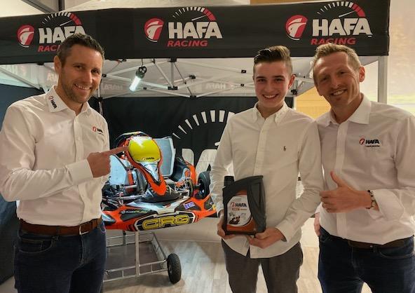 Kilian Belhaire avec ses partenaires de chez Hafa.