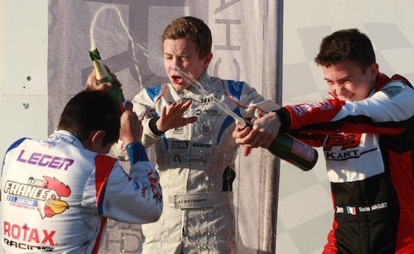 L'Open Kart reste une préparation idéale en ouverture de la saison. La preuve en images avec ce podium 2019 composé de Sacha Maguet, Esteban Masson et Dylan Léger: soit les 3 mêmes pilotes qui se sont retrouvés sur ce même piédestal quelques mois plus tard au Championnat de France Nationale !