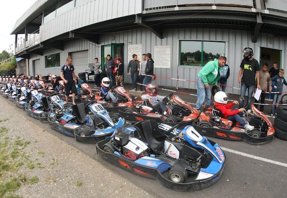 """Sélection """"Les lycées dans la course"""" au Karting du Lissartel à Pers"""
