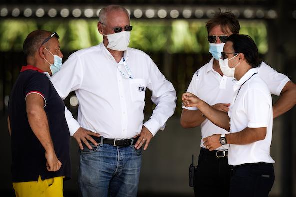 De g. à dr, Claudio Ciccone de Sarno, Kay Oberheide (secrétaire exécutif de la CIK-FIA), le promoteur James Geidel et Felipe Massa, Président de la CIK-FIA