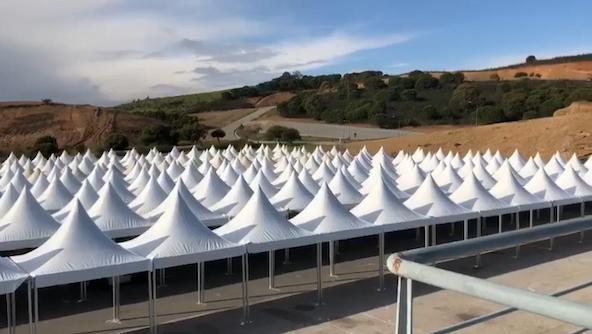 Les tentes vont devoir être démontées sans avoir servi !
