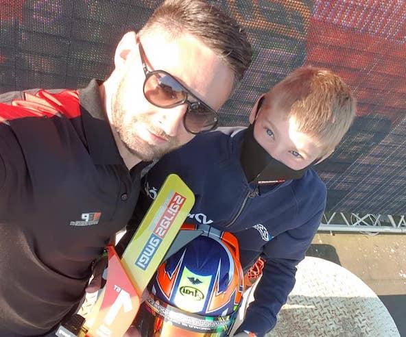 Clément Outran, vainqueur en X30 Junior, ici avec son coach Eddy Pagnon (photo FB / EPM)