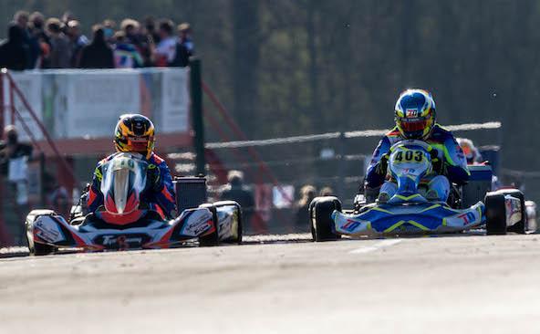 Arrivée au sprint pour la 2e place entre Kieltyka (à g.), meilleur Gentleman, et Delré