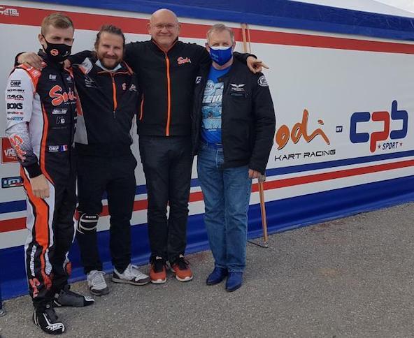 Adrien Renaudin avec Kevin Cuoco, Paul Bizalion et Patrice Renaudin, le papa