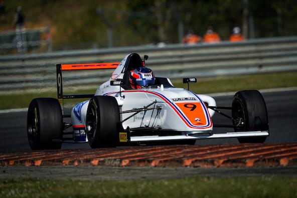 Excellent début de saison en F4 pour Esteban Masson (Photo KSP)