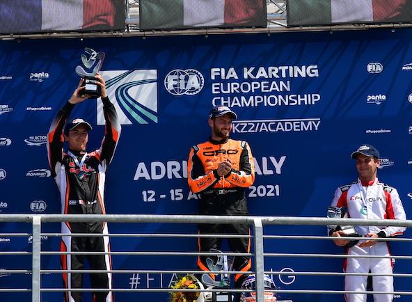 Hubert Petit (à g.), brillant 2e en KZ2, intercalé entre Giacomo Polini, vainqueur et Champion d'Europe, et Lorenzo Travisanutto